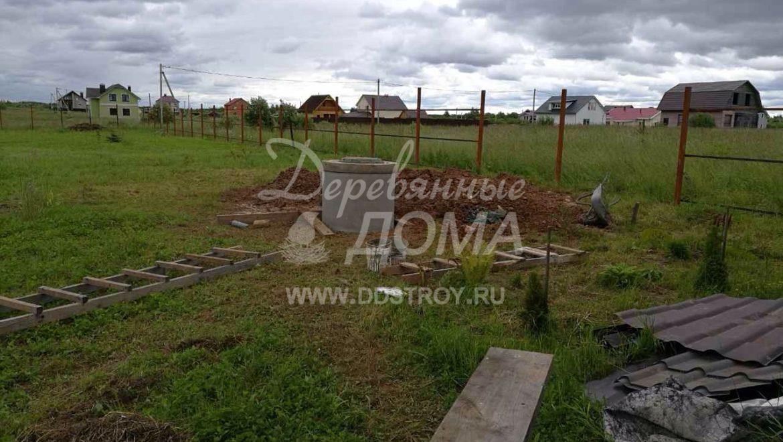 Монтаж колодца из железобетонных колец в д. Дегтярево (10.07.2017)