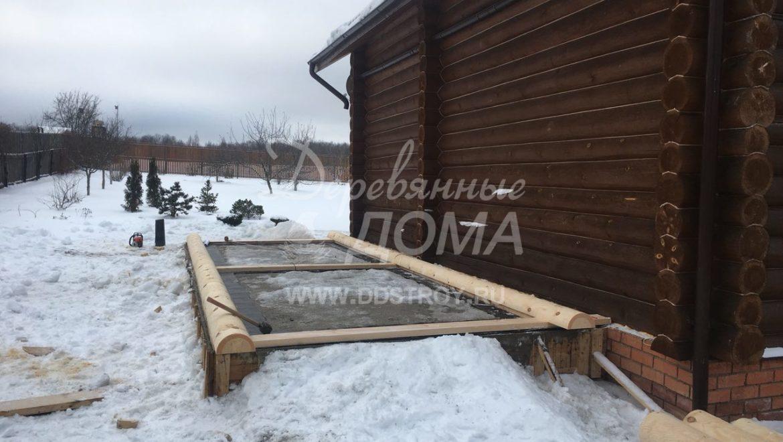 Начаты работы по строительству пристройки из оцилиндрованного бревна в д. Рожново (15.01.2018)