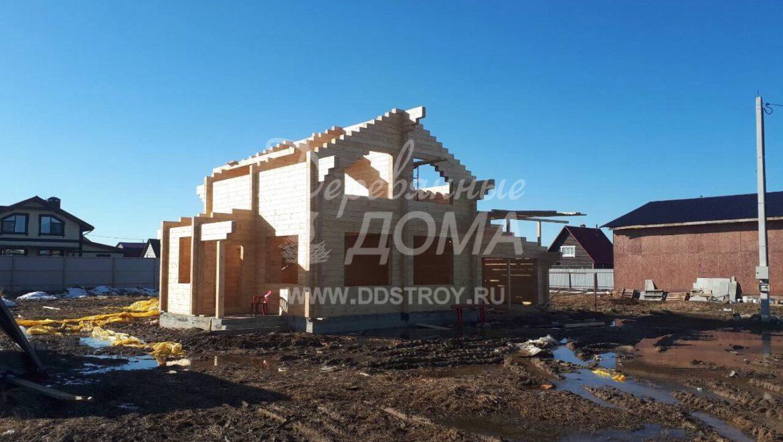 Закончена сборка деревянного комплекта жилого дома из клееного бруса в д. Дегтярево (12.04.2018)