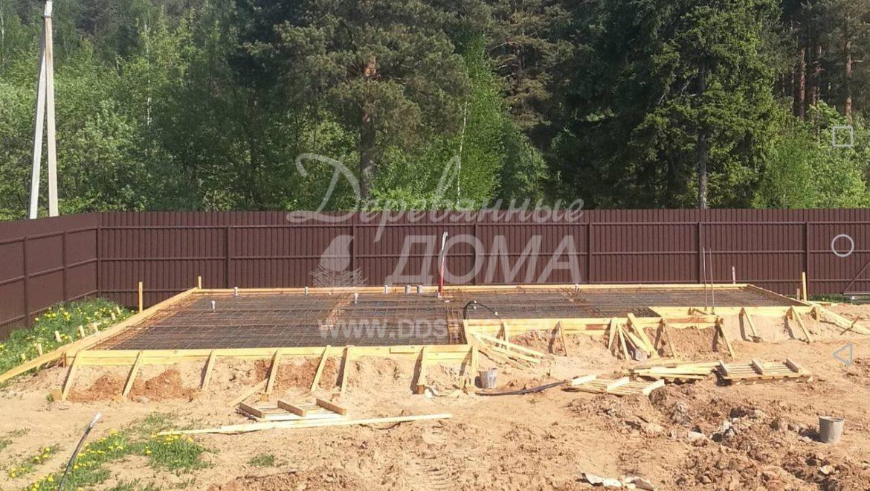 Продолжаются работы по устройству фундамента в д. Беляницы(18.05.2018)
