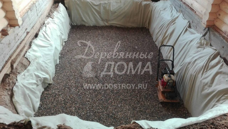 Ведется подготовка к монтажу бассейна в д. Афанасово (11.07.2018)