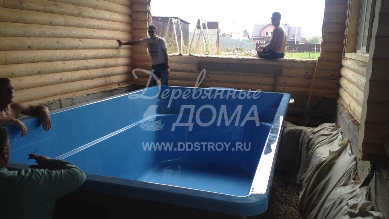 Ведется монтаж чаши бассейна в д. Афанасово (21.07.2018)