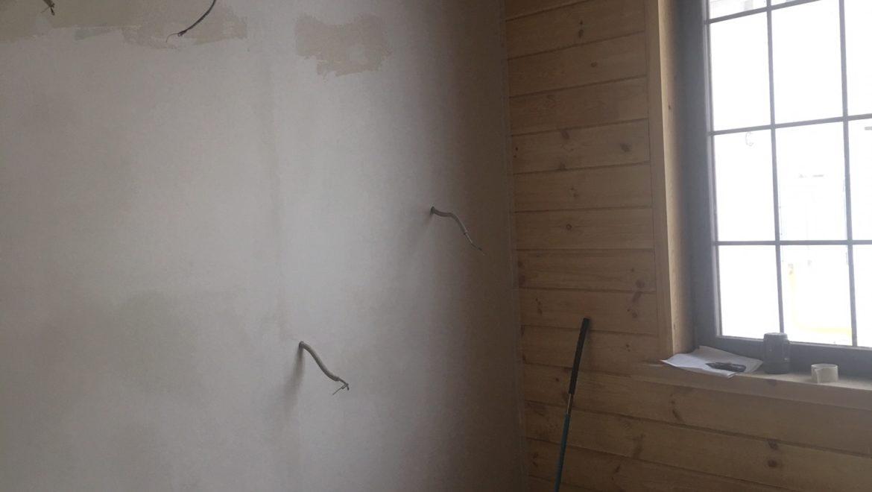 Ведутся внутренние отделочные работы в доме из клееного бруса в д. Песочнево(18.02.2019)