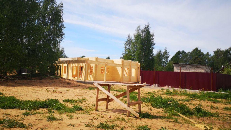 Продолжается монтаж деревянного комплекта из клееного бруса в Тверской области д. Слобода (17.05.2019)