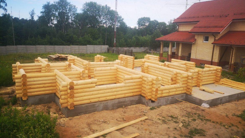 Монтаж деревянного комплекта жилого дома из оцилиндрованного бревна в д. Песочнево (12.06.2019)