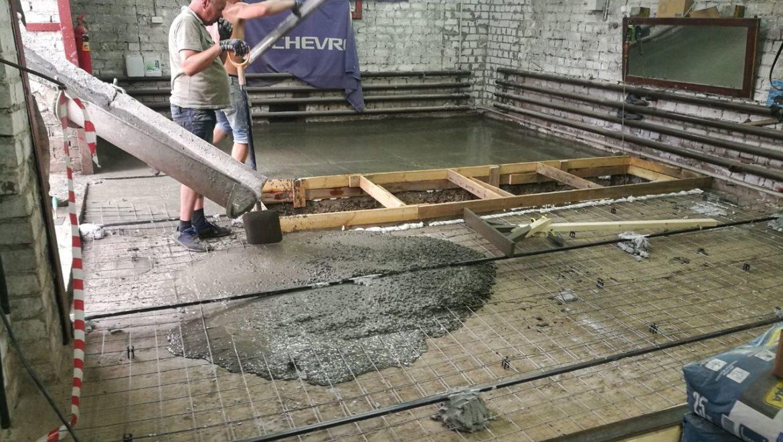 Устройство стяжки пола на ул. Постышева (26.06.2019)