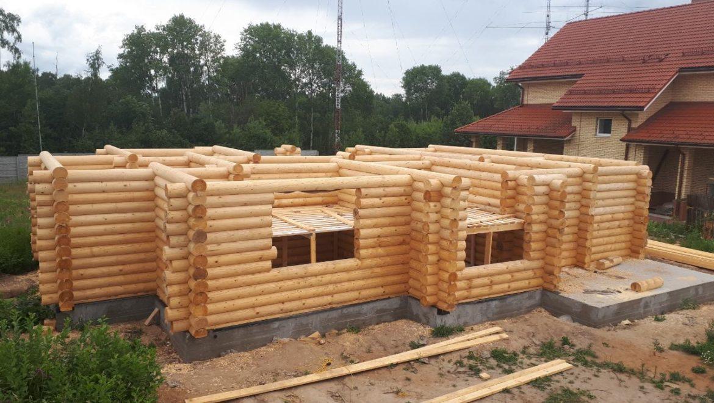 Продолжается монтаж деревянного комплекта жилого дома в д. Песочнево (26.06.2019)