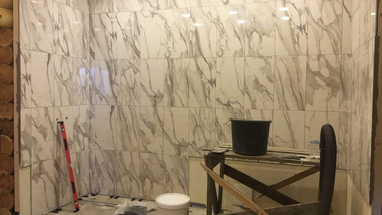 Продолжаются внутренние отделочные работы в бане в д. Анкудиново (01.08.2019)
