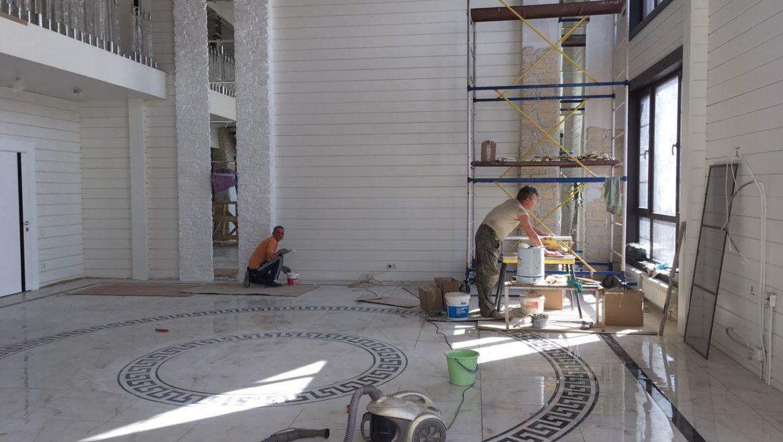 Продолжаются отделочные работы в доме из клееного бруса в д. Песочнево (02.09.2019)