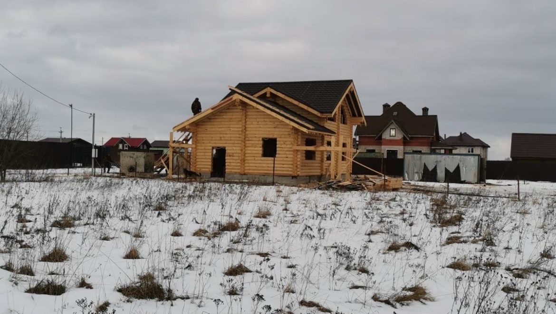 Завершение кровельных работ в жилом доме из оцилиндрованного бревна в д. Дегтярево (25.02.2020)