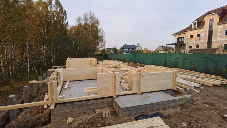 Ход работ по монтажу одноэтажного дома из клееного бруса в п. Говядово (06.10.2020)