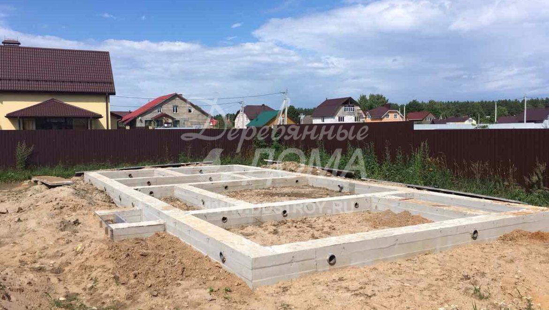 Продолжаются работы по устройству фундамента в м. Афанасово (01.08.2017)