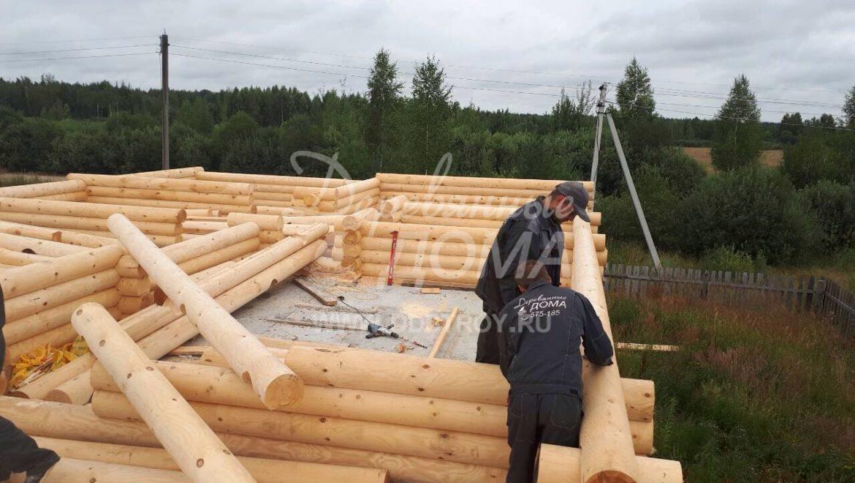 Продолжаются работы по строительству мансарды из бревна в д. Селышки (31.08.2017)