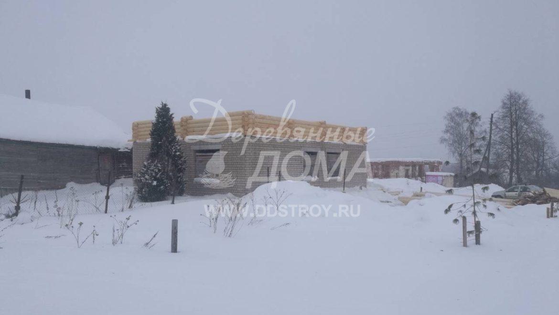 Начаты работы по строительству мансардного этажа из оцилиндрованного бревна в с. Парское (05.03.2018)