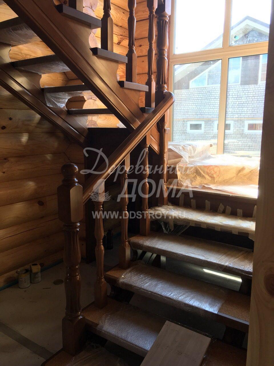 Монтаж лестницы из массива сосны в д.Афанасово(30.08.2018)