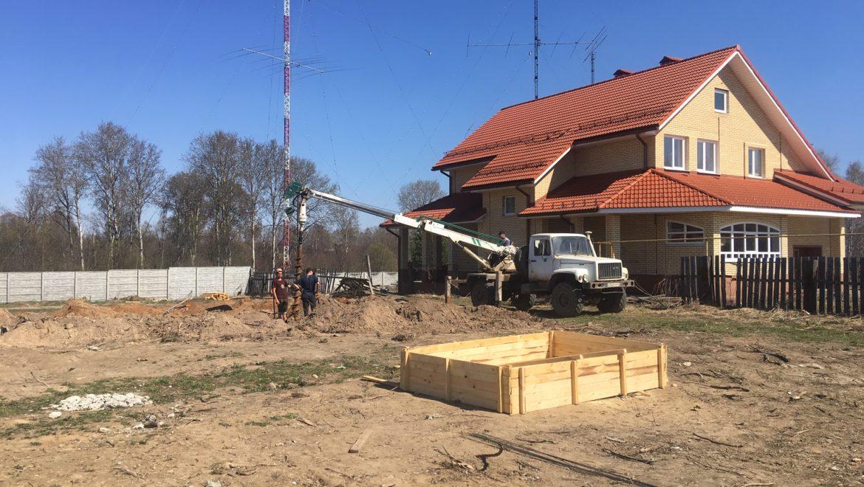 Начало работ по устройству фундамента в д. Песочнево (25.04.2019)