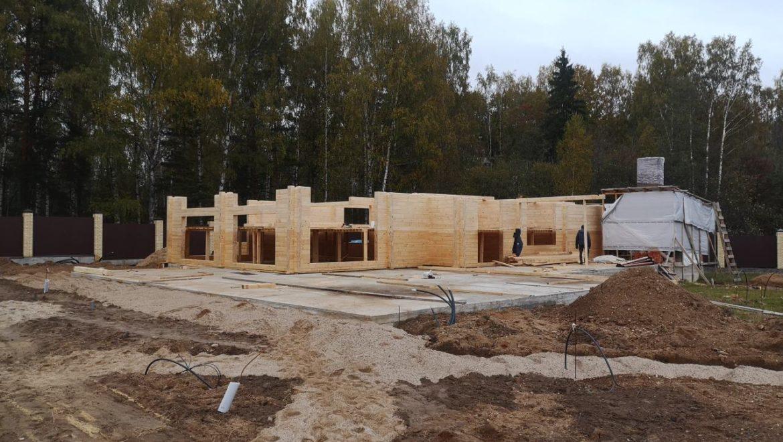 Продолжаются работы по строительству бани из клееного бруса в д. Кривцово (27.09.2019)