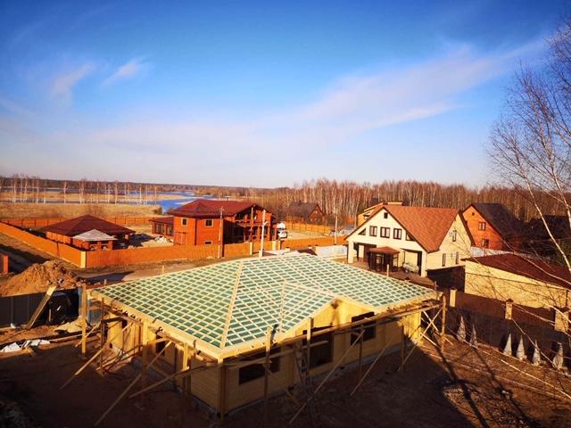 Завершен монтаж стропильной системы бани из клеенного бруса в д. Слобода (27.03.2020)